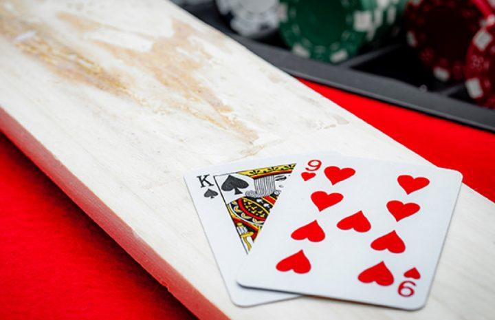 Enjoy Playing Baccarat Card Game Online