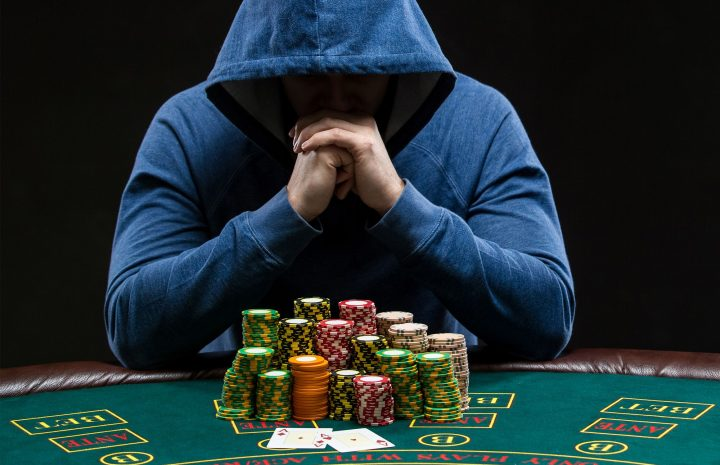 What are the types of bonuses in online casinos?